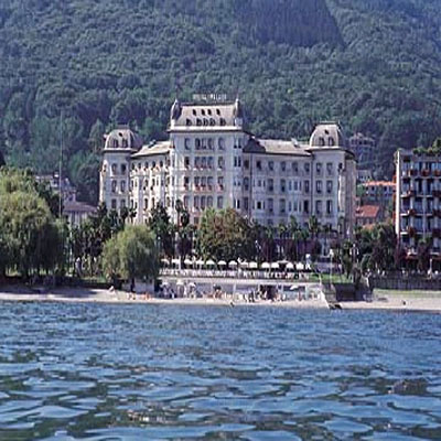 hotel-regina-palace-on-lake.jpg
